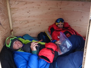 Ross Hewitt Guiding expedition skiing baffin island 41