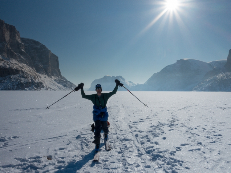 Ross Hewitt Guiding expedition skiing baffin island 30