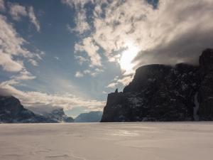 Ross Hewitt Guiding expedition skiing baffin island 24
