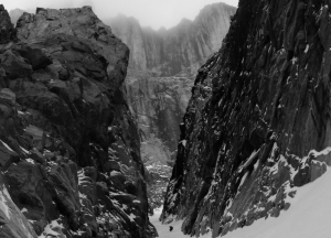Ross Hewitt Guiding expedition skiing baffin island 17
