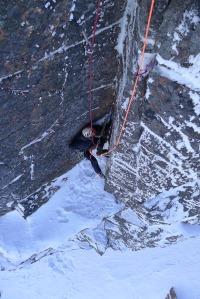 Ross Hewitt Guiding scottish winter climbing 7