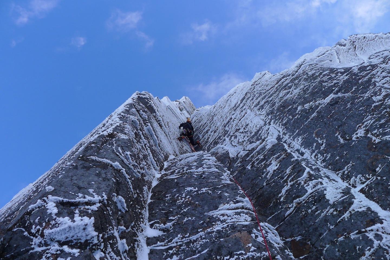 Ross Hewitt Guiding scottish winter climbing 5
