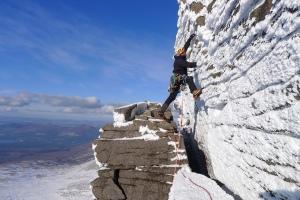 Ross Hewitt Guiding scottish winter climbing 4