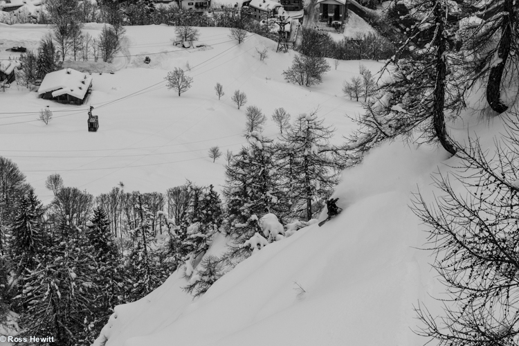 Liz Daley snowboarding Entreves Palud