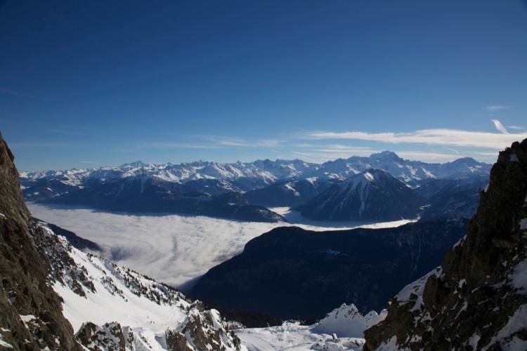 La Valais under a sea of cloud