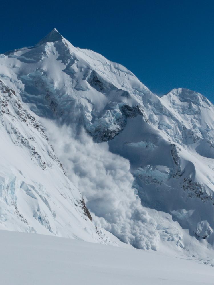 avalanche on Silberhorn, Aoraki Mt Cook range